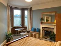 Bright and spacious 2 bedroom flat in Fountainbridge - £850pm