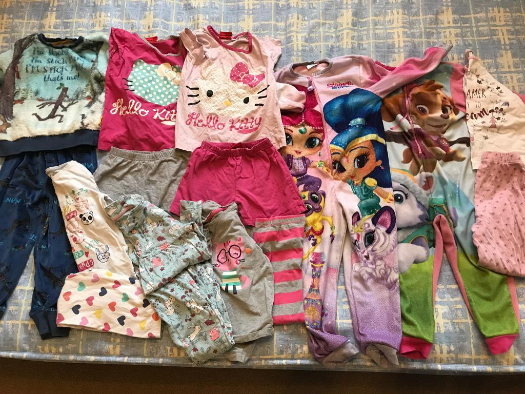 Girls pyjamas age 4