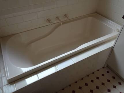Caroma bath tub | Building Materials | Gumtree Australia Boroondara ...