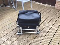 Penrose seat box
