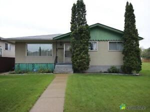 $335,000 - Bungalow for sale in Eastwood