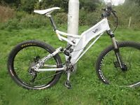 Norco Atomik VPS downhill full suspension,10gears,26 inch tyres.20inch frame,Disc Brakes - Hydraulic
