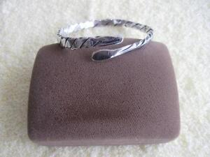HAND-CRAFTED CUFF-STYLE TWISTED-ROPE SILVERTONE BRACELET