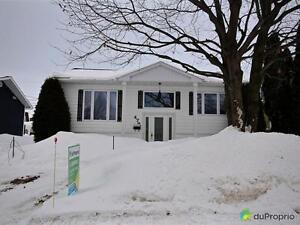 179 900$ - Bungalow à vendre à Chicoutimi Saguenay Saguenay-Lac-Saint-Jean image 1