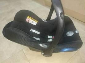 Maxi Cosi Cabriofix Rear face car seat. ISOFIX Base. Bugaboo Donkey adaptor