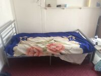 Double room to share close to Stratford