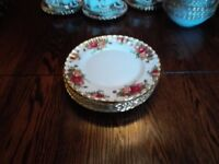 Royal Albert Old Country Rose dinner plates medium in good condition English