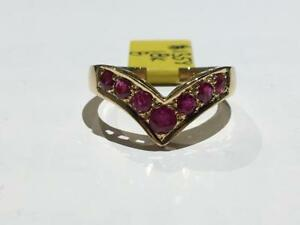 #1358 18K LADIES CHEVRON STYLE YELLOW GOLD RUBY RING. SIZE 8. *JUST BACK FROM APPRAISAL AT $2275.00 SELLING FOR $595.00*