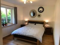 2 rooms + bathroom + shared kitchen and garden to rent in a quiet location (Sands)