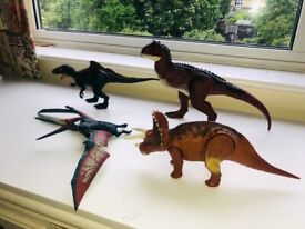 Set of Jurassic World large dinosaurs with motion and sounds