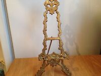 Traditional brass picture stand