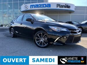 2015 TOYOTA CAMRY XSE AUTO NAV TOIT CUIR MAGS