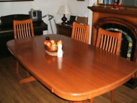 Large dining table & six chairs