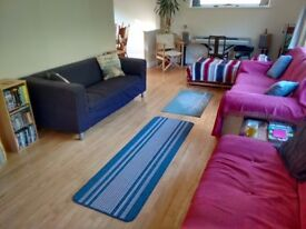 Two great rooms available for professional persons or mature students in spacious 3 bed semi