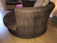 Cuddled/ Love swivel Chair - brown
