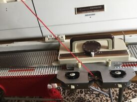 Knitmaster 150 Chunky Knitting machine & table