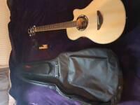 Yamaha APX500III acoustic/electric guitar