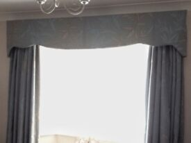 Beautiful Full Length Lined Curtains in Teal and Gold plus extras. excellent Condition