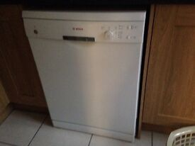 Bosch SM40T32UKA3B dishwasher 2years old but looks & works like new.