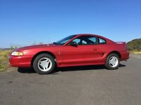 1996 Ford Mustang 3.8 V6 Manual – Premium Interior
