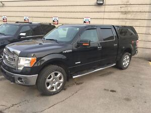 2013 Ford F-150 XLT with rear. camera