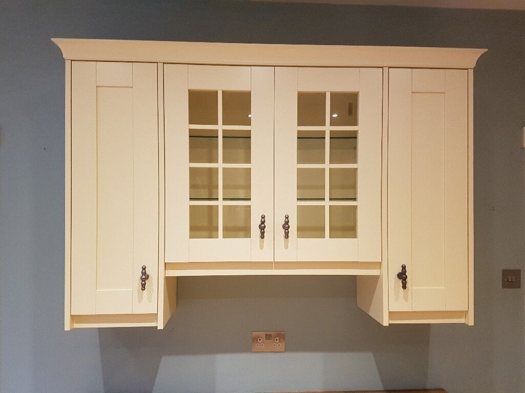Kitchen Units - Cream shaker style with Gunmetal grey handles