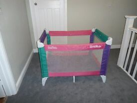 GRACO Large Travel Cot/Pen with mattress - Very good condition