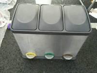 Triple kitchen bin