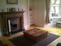 Main door Morningside flat to rent