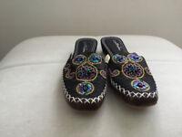 Ladies oriental slipper shoes