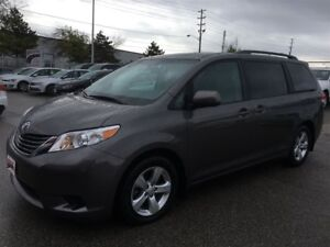 2014 Toyota Sienna LE 8-PASS PWR DOORS