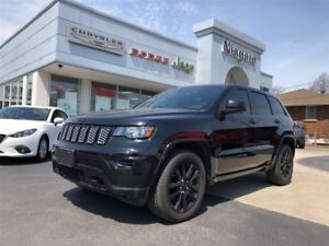 2017 Jeep Grand Cherokee ALTITUDE BLACKOUT,NAV,HTD SEATS,20'S
