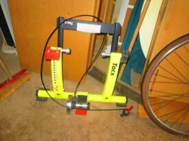 TACX Cycle Force Bike Trainer