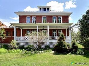 274 900$ - Maison 2 étages à vendre à St-Louis