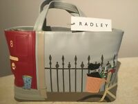 Radley signature (limited edition) 'Joyride' handbag in dove grey with appliqué picture