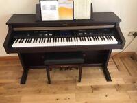 Roland KR 105 digital piano