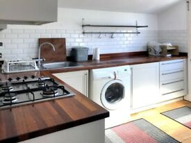 Beautiful 3 Bedroom flat in Claxton Grove, Hammersmith, W6
