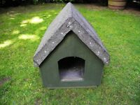 DOG / CAT OUTSIDE HAND MADE FELT ROOF KENNEL GREEN WOODEN