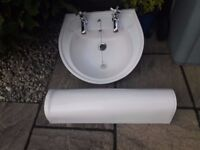 Lecico pedestal sink with basin and taps. Good condition.