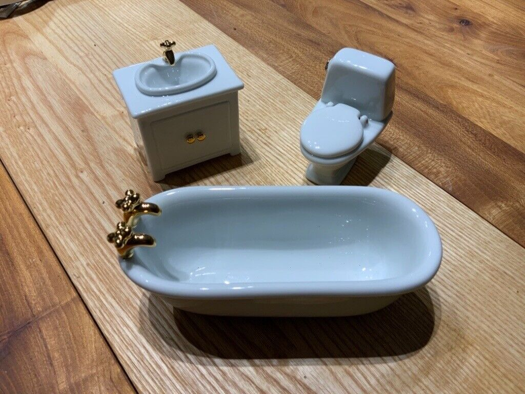 Doll's house miniature ceramic bathroom suite  in Hungerford, Berkshire   Gumtree