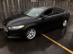 2015 Ford Fusion SE. Automatic, Back Up Camera, Only 97, 000km