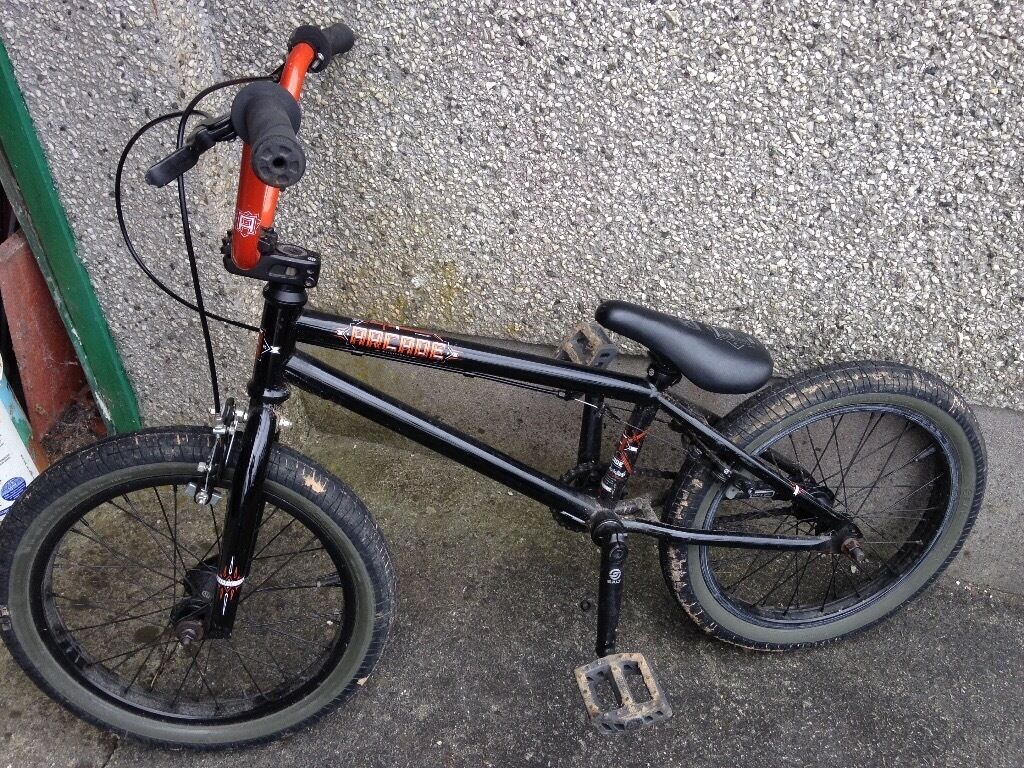 """Cheap (Arcade 2013 )good quality BMXin Saltash, CornwallGumtree - The retail price of these bikes were £244.99 this one is 2nd hand,18"""" frame, hardly used but needs a clean, the info below is from a website. £59.99 for a quick sale. Ring 07828634515 A stunning set of carefully designed graphics adds the..."""