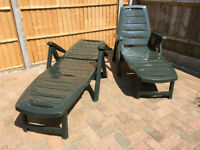 Pair of 'Prima' Foldable Sunloungers (Made in Milan) for Poolside or Garden - Green - £50