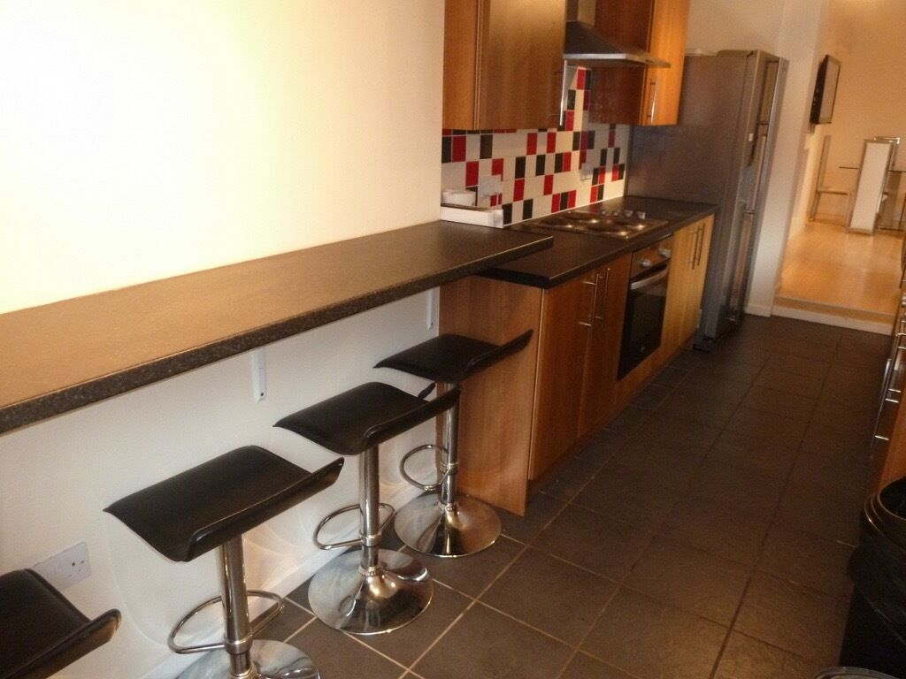 DOUBLE ROOMS AVAILABLE IMMEDIATELY IN HEATON NE6 - £325/£399pm - BILLS INCLUDED