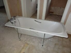 White Acrylic Bath with Chrome Taps, Legs and Shower Attachment. Size: 1700mm x 700mm