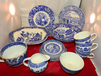 Various blue and white willow pattern collection of dinner set (17pss)