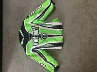 Kids Wulfsport rampage green cub ride jacket Age 7-12