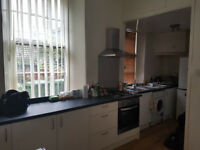 Double room for rent in city centre flat, 5 mins walk to central station