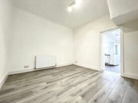 ***DSS WELCOME****A NEWLY REFURBISHED 4 BEDROOM WITH 2 BATH HOUSE EDMONTON N9