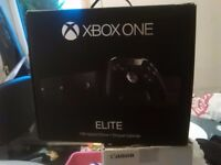 Xbox one elite, unwanted present with box +accessories